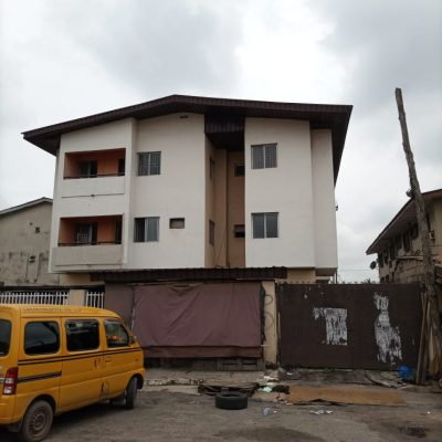 3 units of 4 bedroom apartments to let